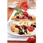 Berry fruit cake with cream cheese