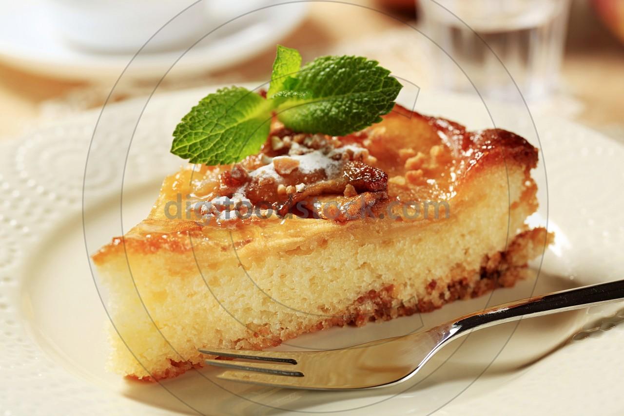 Apple sponge cake