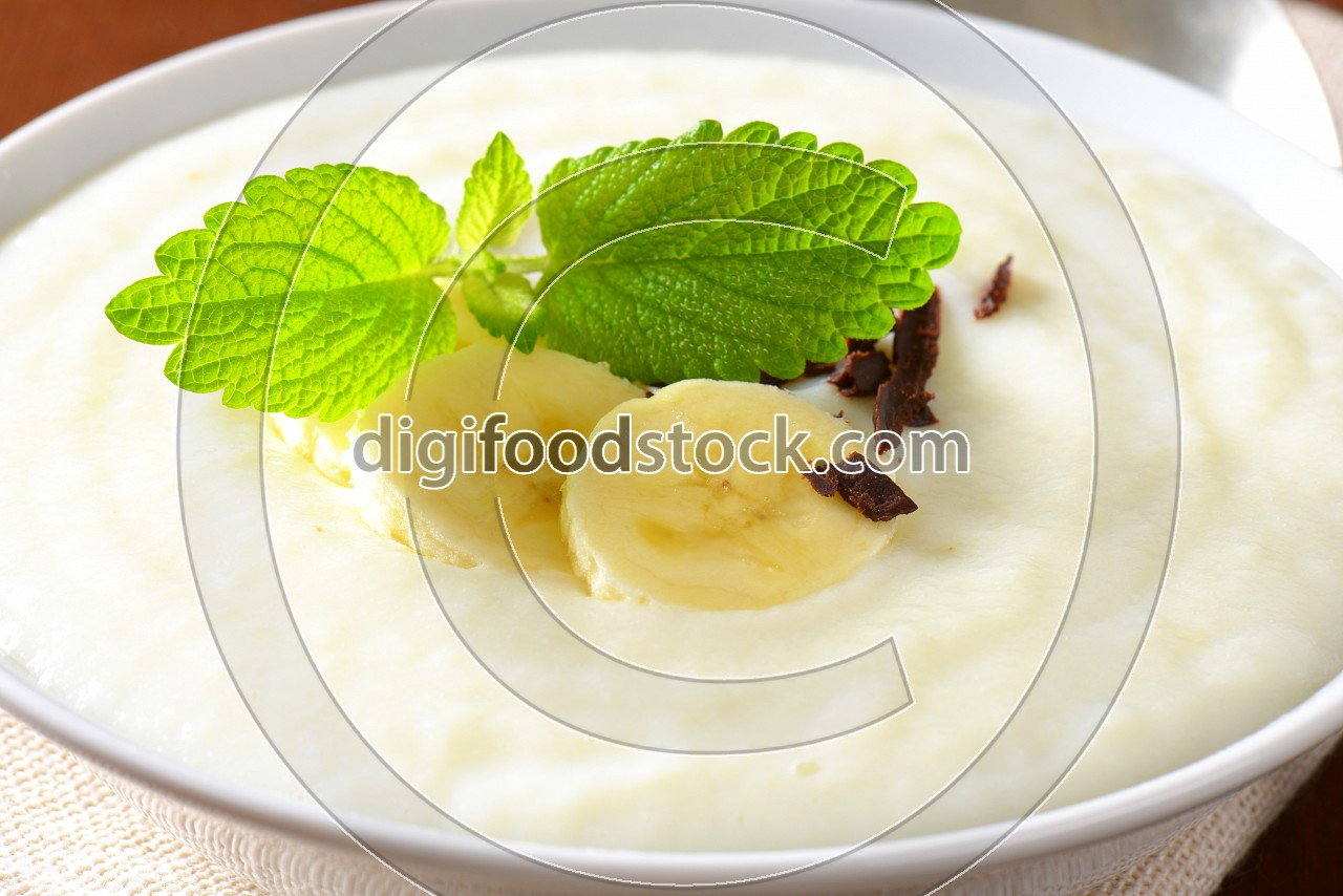 Pureed Rice Pudding with banana and chocolate